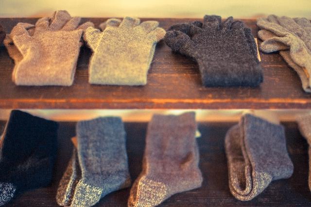 ウールの靴下で温かく