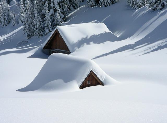 出社は雪かきから
