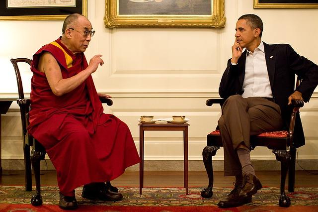 オバマ大統領と対談するダライ・ラマ14世
